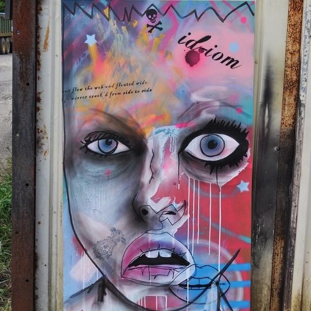 Lips so nice we did 'em twice. #graffiti #pootopia