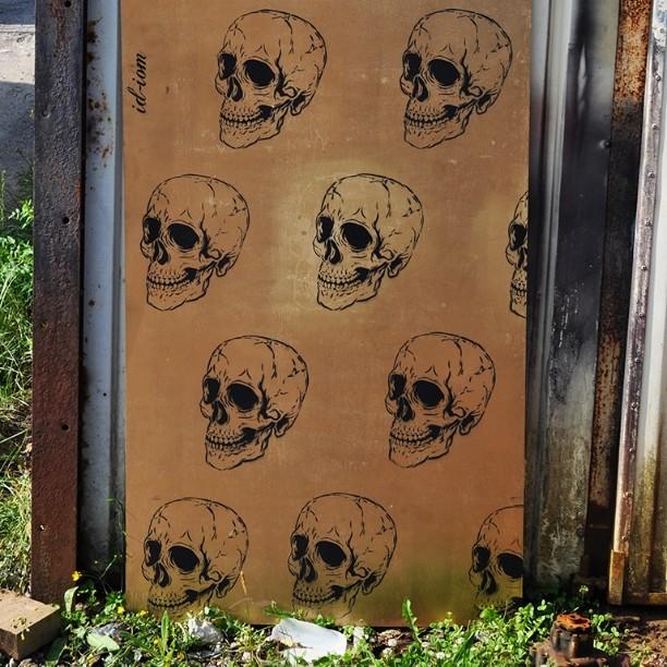 The classy gold and skull wallpaper board. #pootopia #skull #stencil