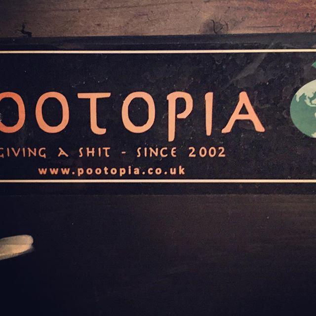 #pootopia #utopia #Thomasmore #wayoflife #thinkdifferent #londonnights